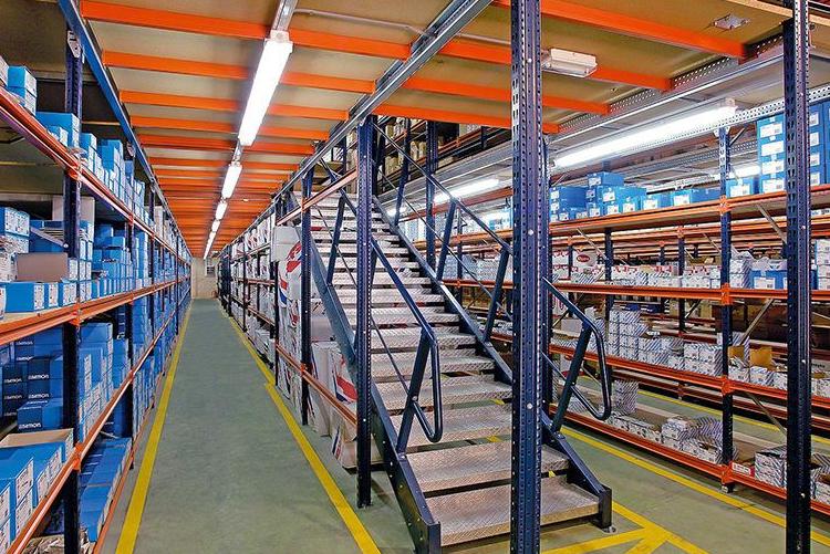 重型横梁货架如何提高空间利用率
