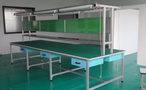 不锈钢双层工作台材质的优点