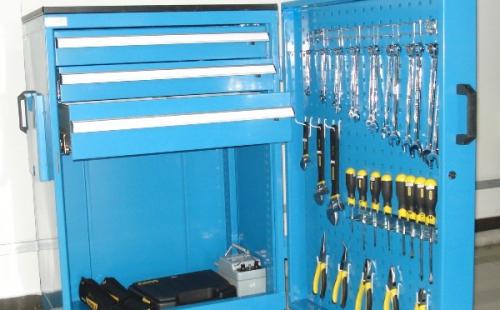 壁橱式工具车的功能配置于设计